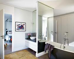 Зеркала, как неотъемлемая часть ванной комнаты