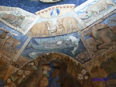 Фигурные стены залов музея палеонтологии