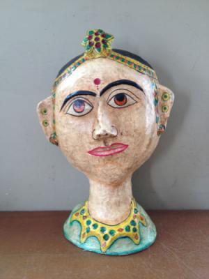Старинный индийский бюст махарани выполненный из папье-маше