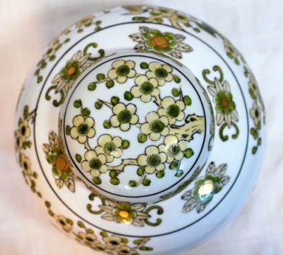 Расписанное вручную фарфоровое изделие Имари