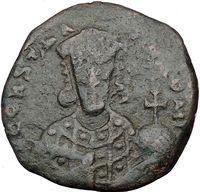 Большая средневековая византийская монета Константина VII