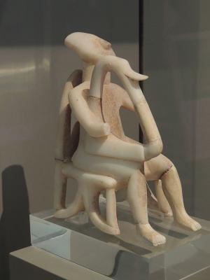 Арфист (ранний кикладский II период; Badisches Landesmuseum, Карлсруэ)