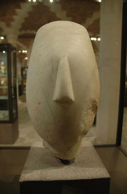Кикладская мраморная статуэтка типа культуры Керос
